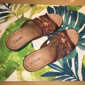 Clarks Lexi Myrtle Leather Slip on Sandals Size 6